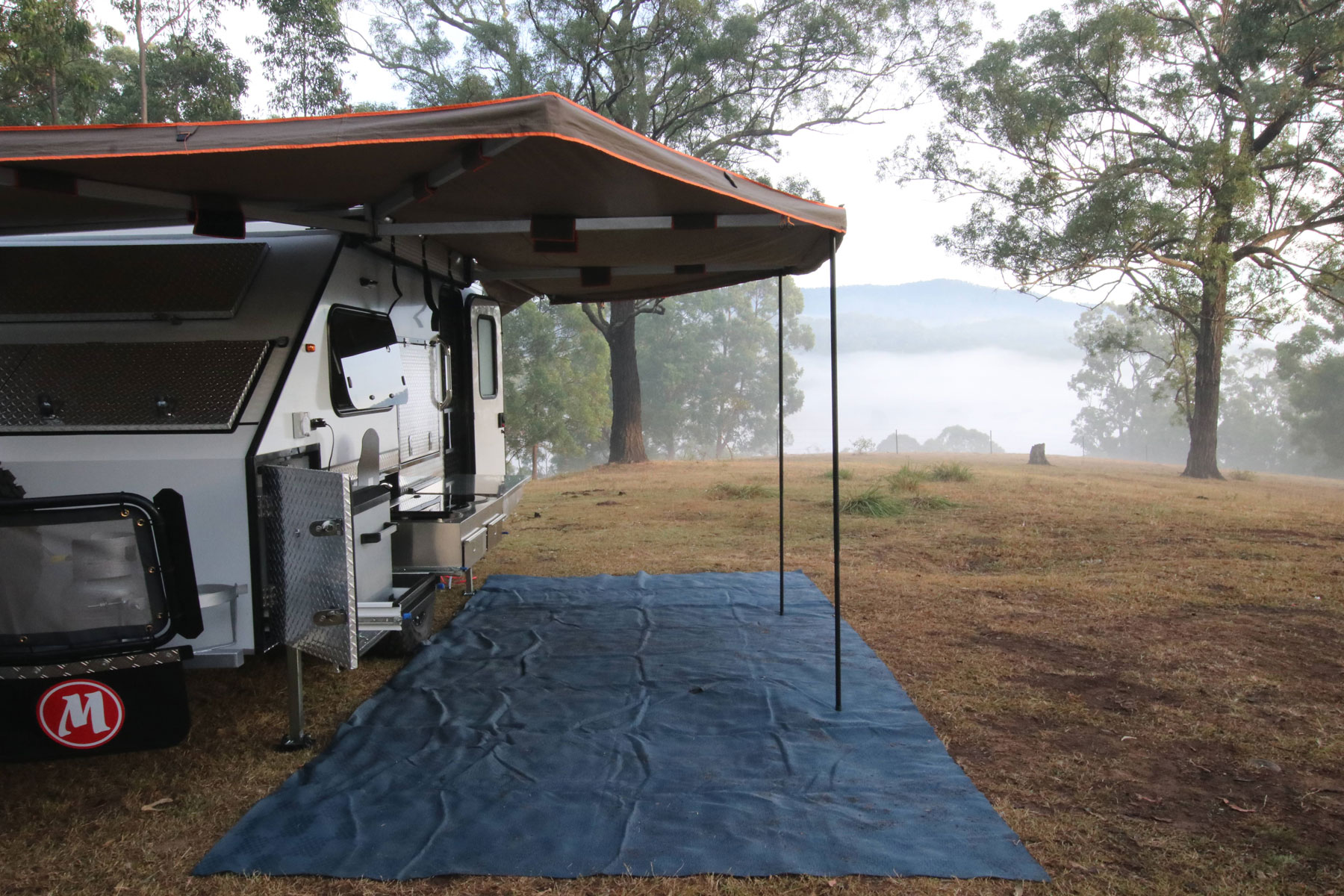 C3 Hybrid Darche awning