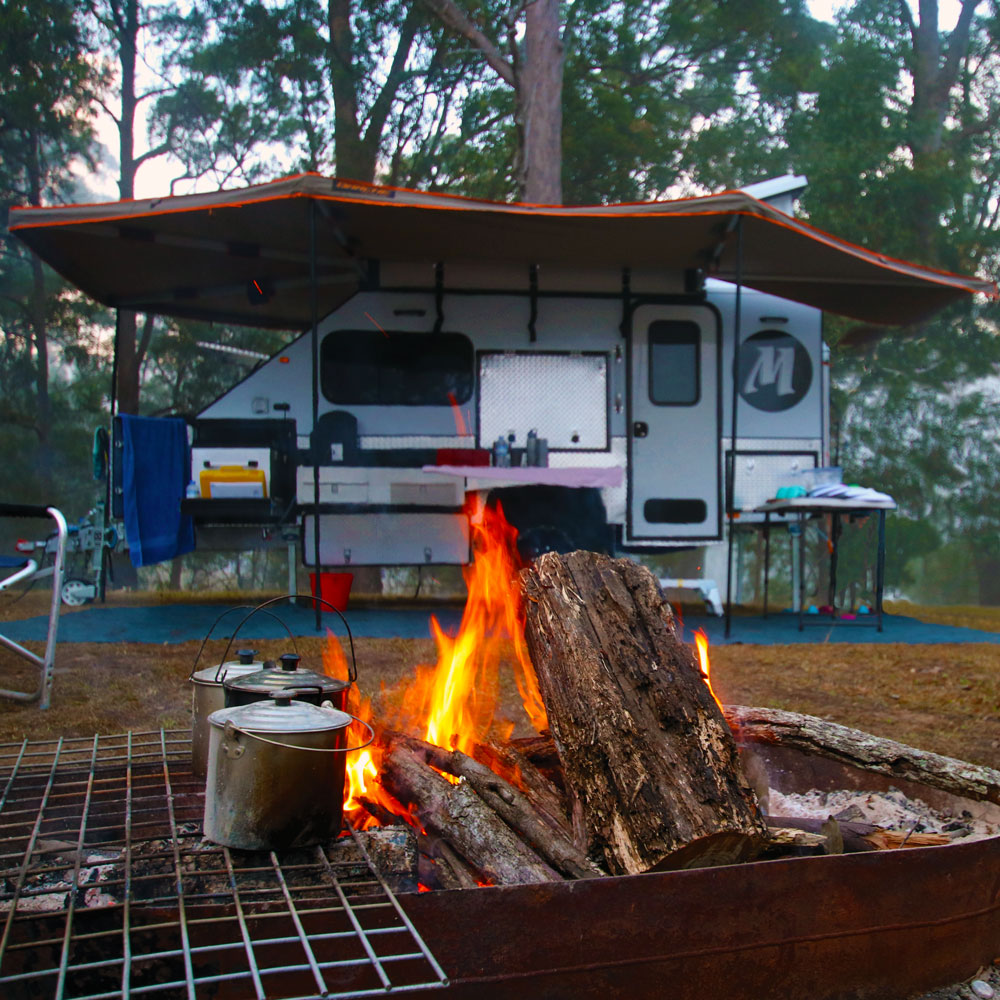 Modcon Campers C3 Hybrid fire